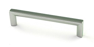 Berenson Metro Series 128mm CC Pull in Polished Chrome