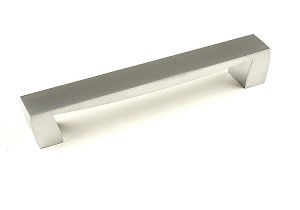 Century Fairmont 160mm Cabinet Pull in Dull Chrome Europe