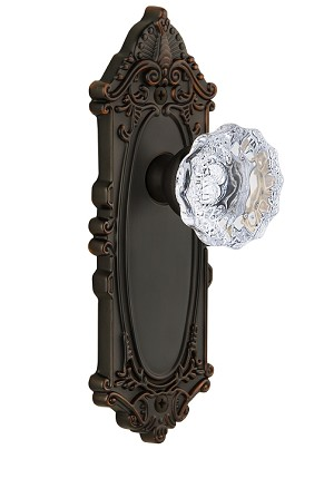 Grandeur Grande Victorian Plate with Fontainebleau Knob