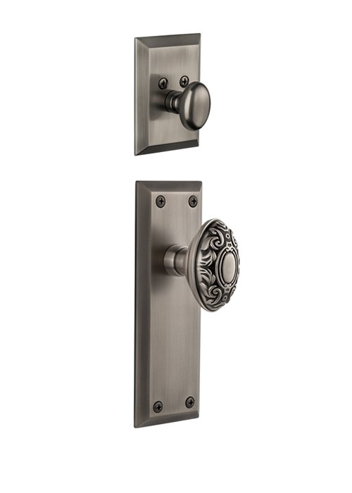 Grandeur Fifth Avenue Handleset with Grande Victorian Knob - (Interior Half Only, with Deadbolt)