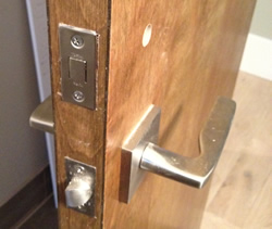 Install the privacy bolt latch.