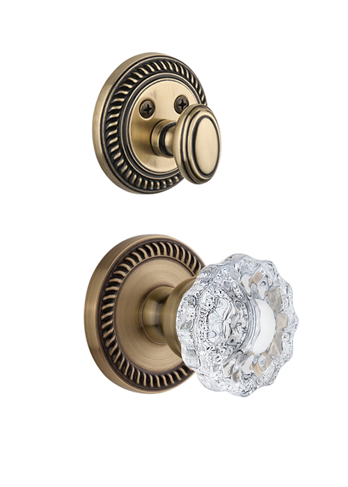 Grandeur Newport Handleset with Versailles Knob - (Interior Half Only, with Deadbolt)
